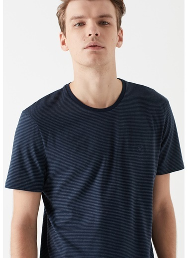 Mavi Çizgili Tişört Mavi